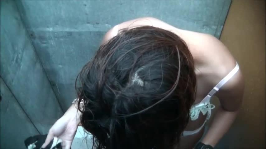 海の家シャワー室上から隠し撮り47